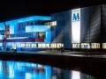 moderna nieuwbouw bij nacht